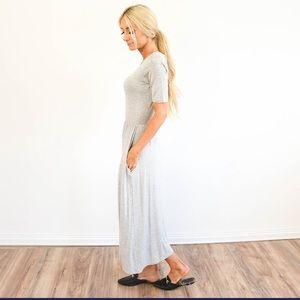 Dresses & Skirts - ☀️🌵💕Shell 🐚 gray grey short sleeve pocket dress